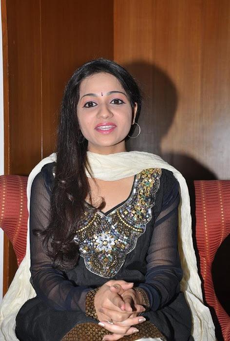 reshma at big music awards 2012 launch event actress pics