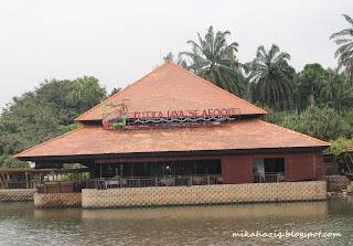 putrajaya lakeside restaurant