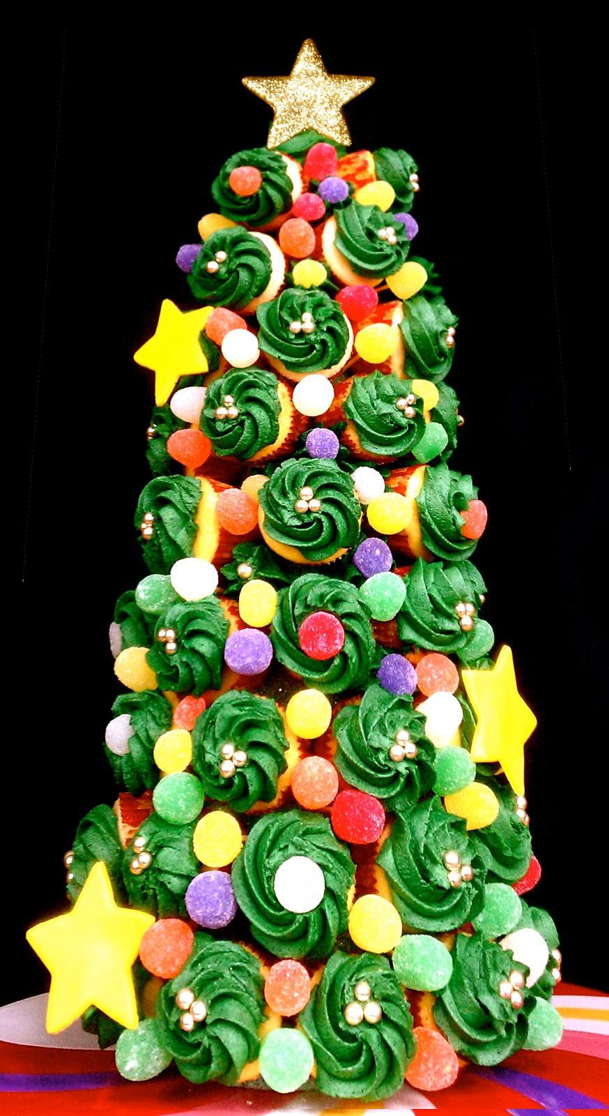 Butrcreamblondi: Holiday Cupcake Tree