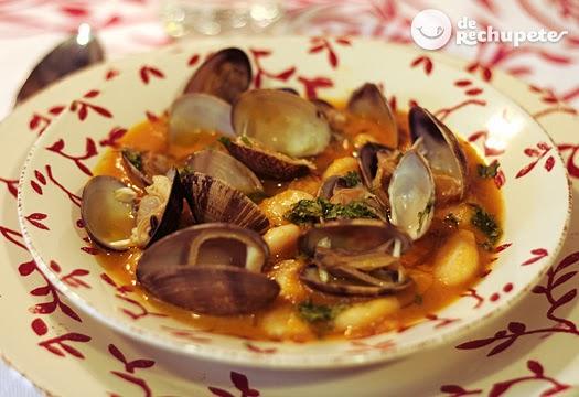 http://www.recetasderechupete.com/fabes-con-almejas-receta-asturiana-paso-a-paso/5456/