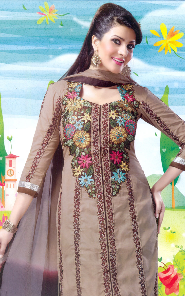 Latest fashion embroidery suits with designs