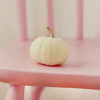 citrouille blanche chaise rose girly fille halloween jolie