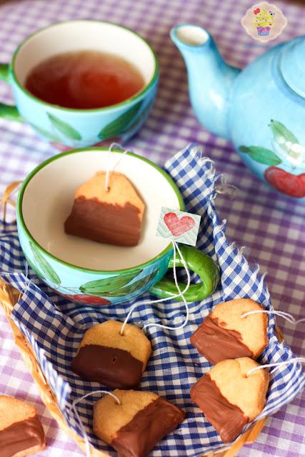 ciasteczka kruche, ciasteczka herbatki, ciasteczka saszetki do herbaty, herbatniki przepis, ciasteczka w czekoladzie