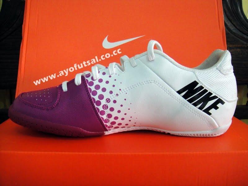 sepatu futsal nike, adidas: Sepatu futsal & sepatu bola nike, adidas