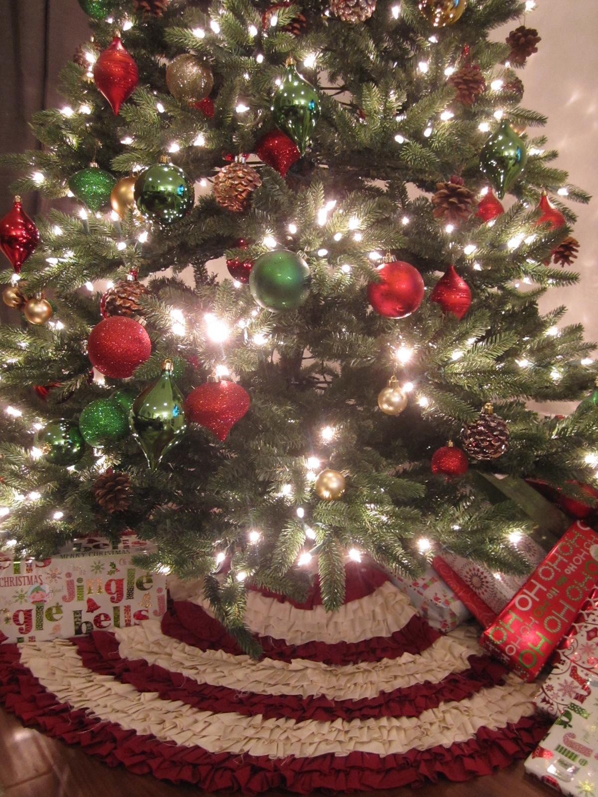 Kriskraft christmas tree skirt