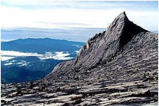 pendakian ke puncak Gunung Kinabalu