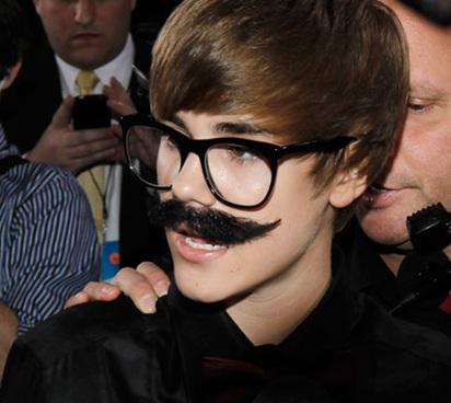 [Image: Justin-Bieber-Marx.jpg]