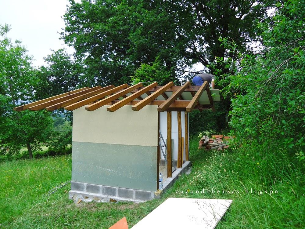 Construir un tejado gallery of construir hacer una for Tejado madera onduline