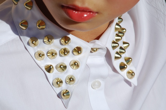 fashion, personal style, outfit, DIY, studded collar, white, shirt, zipper, shorts