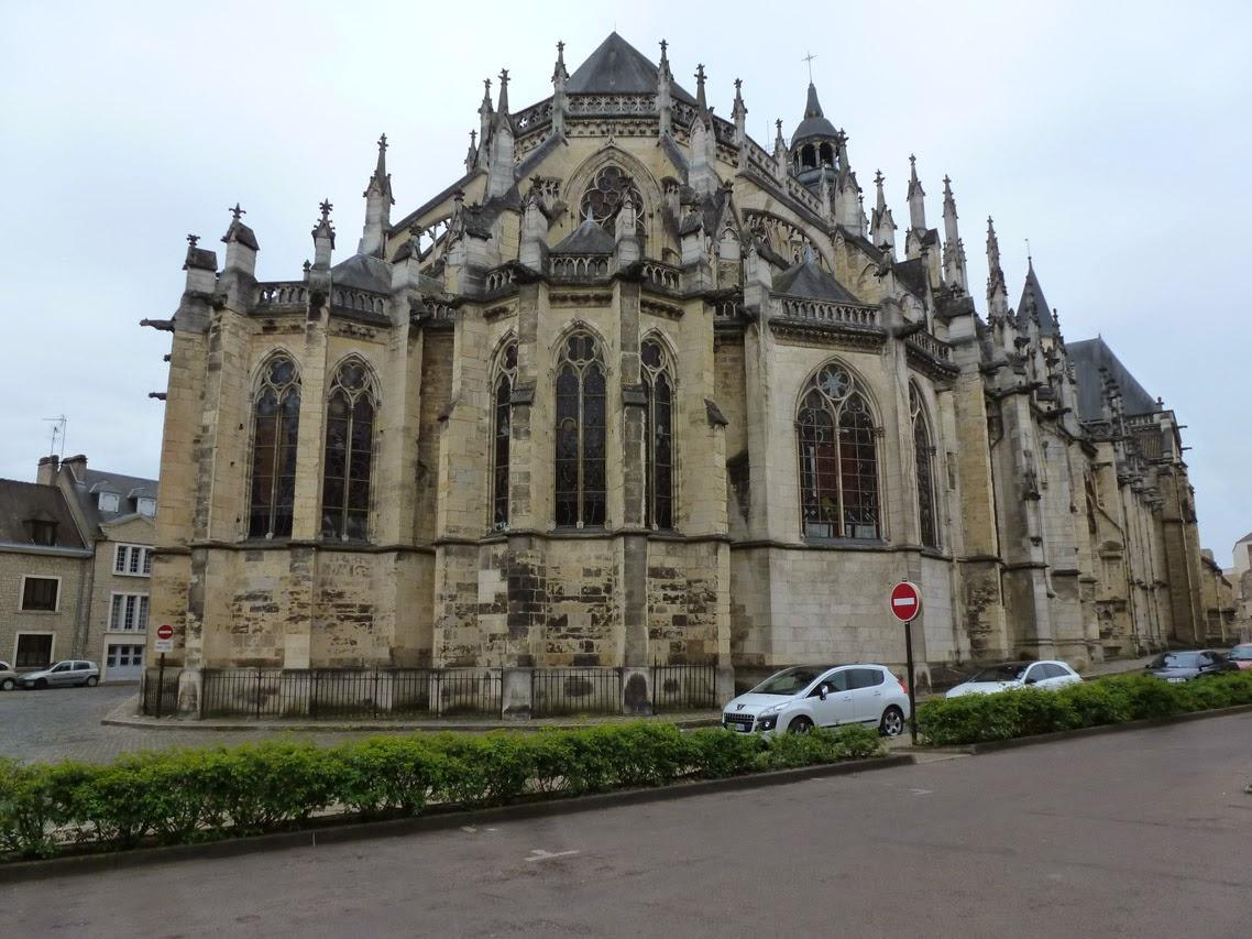 Petites histoires sur l 39 architecture une cath drale deux chevets nevers - Une cathedrale gothique ...