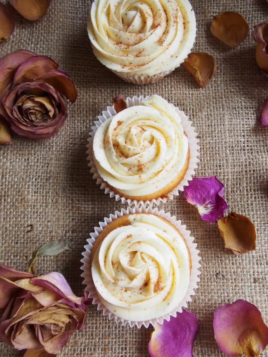 Snickerdoodle Cupcakes – Kaneliset vuokaleivokset