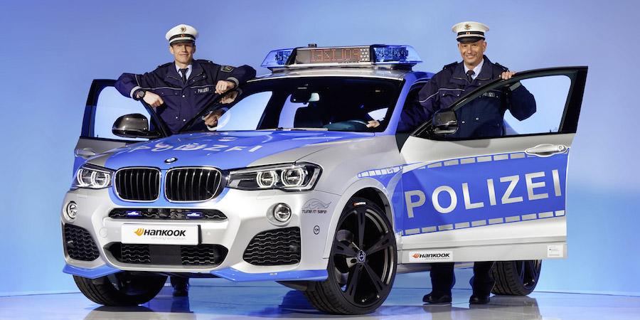 BMW X4 パトカー