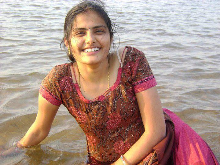 Free cute indian college girls and pakistani girls and for Indian hot house
