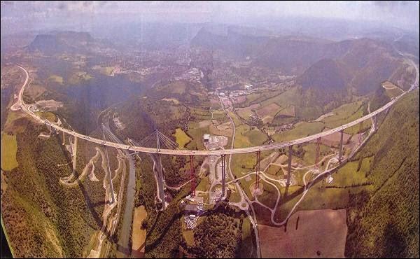 Millau Viaduct Jembatan Tertinggi Dunia