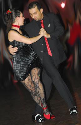 Confira nosso vídeo. Apresentação de Tango com Renato Mota e Simone Oliveria
