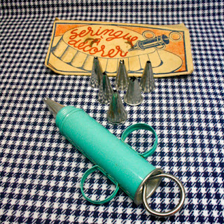 Seringue à pâtisserie rétro/vintage, années 50, ton bleu/vert ! La puce au grenier