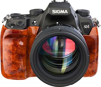 Fotografia della Sigma SD1 con il corpo in legno