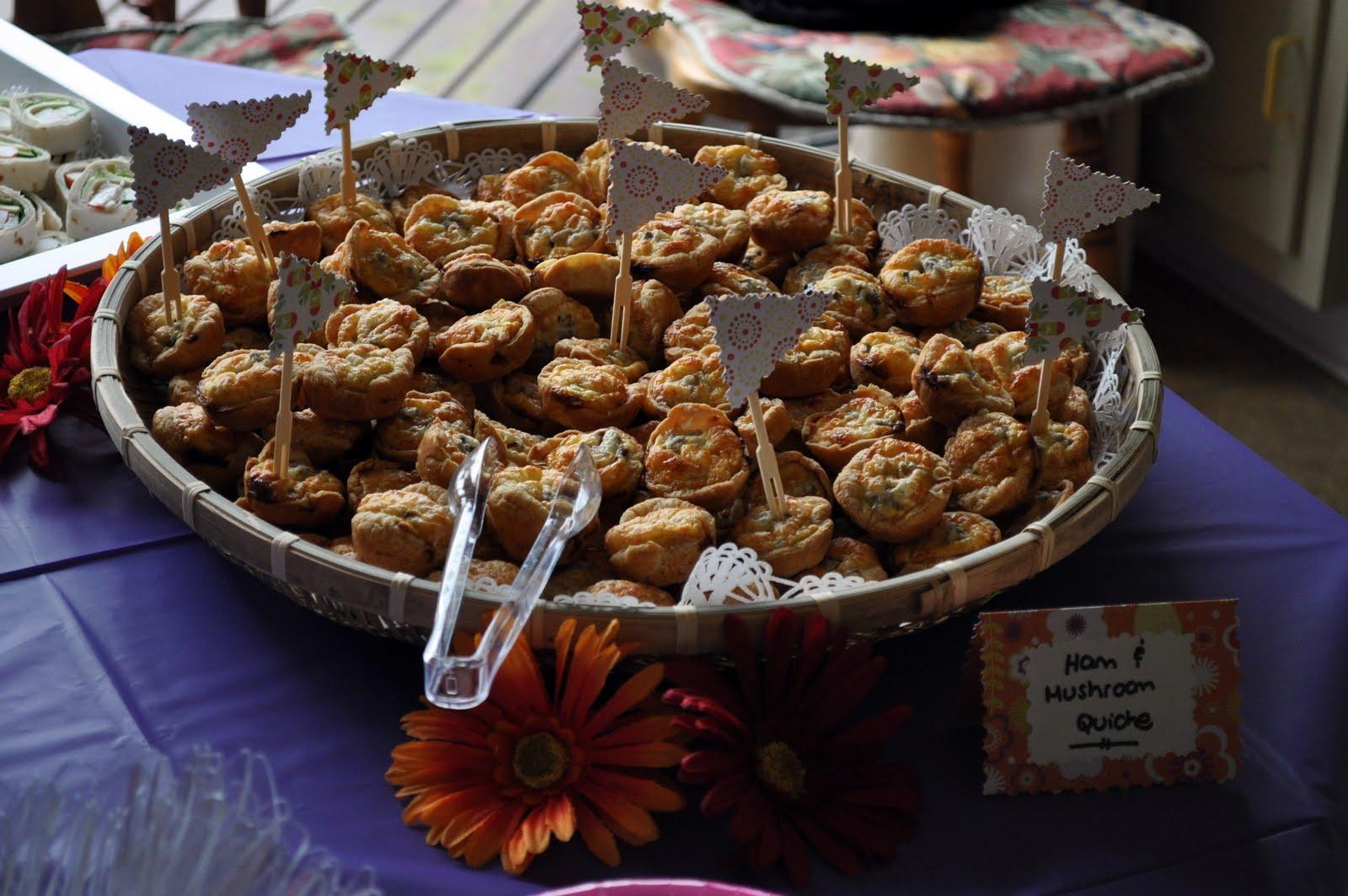 http://4.bp.blogspot.com/-TB8RZXJKXMg/Tb3cihcJe-I/AAAAAAAAAL0/ZuZHV6ORNXM/s1600/Sophie%2527s+Shower+-+Food+Table+3.jpg
