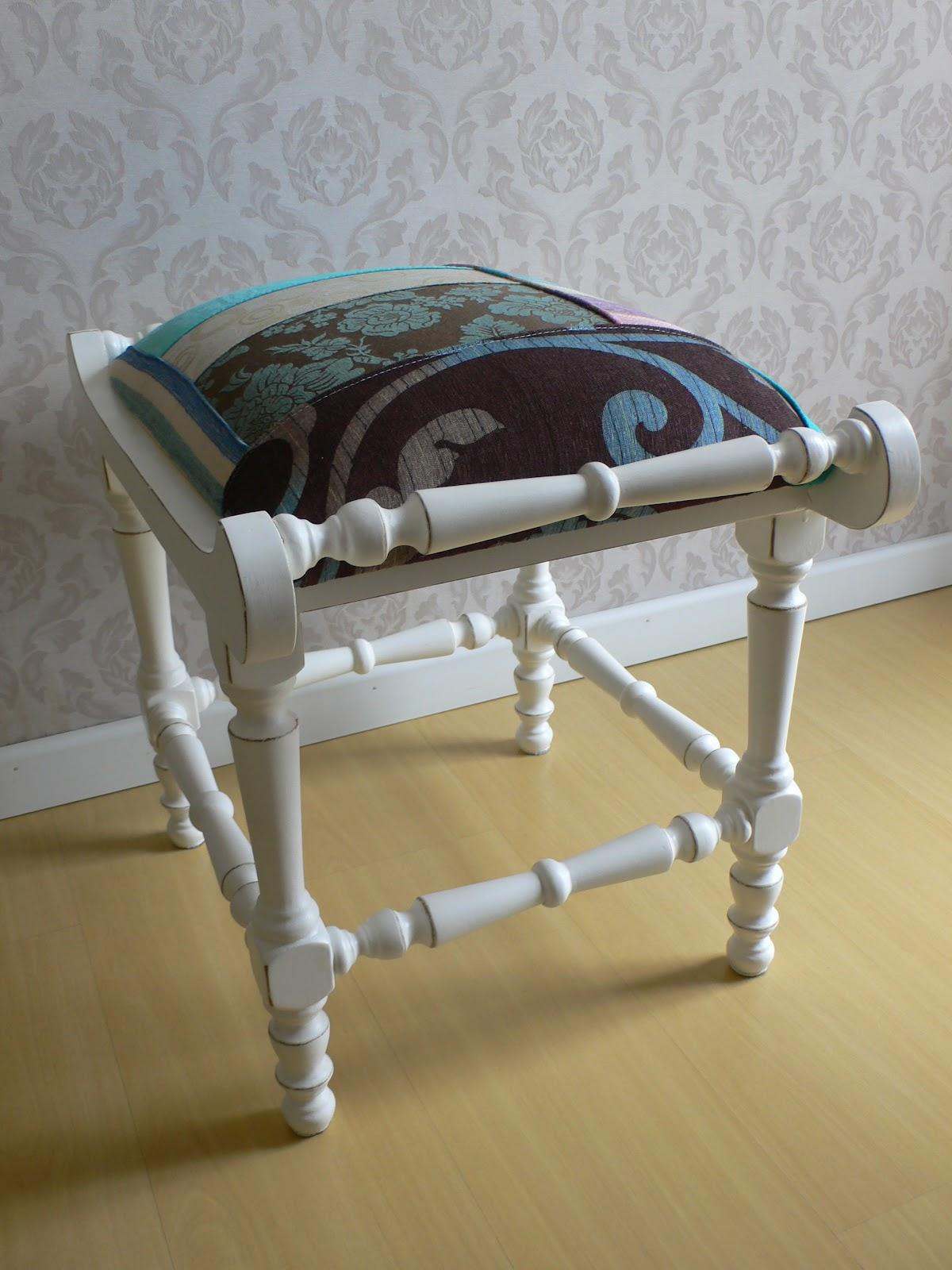 de móveis antigos: Banquinho Banqueta Apoio de pés #897842 1200x1600