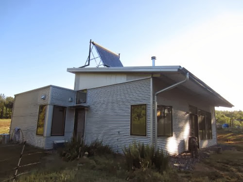 Amish Prefab Houses : Modern prefab house gets amish critique and welcomes autumn