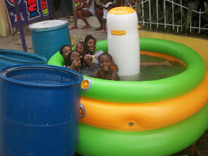 Piscina y dominoes Samana Santa 2013