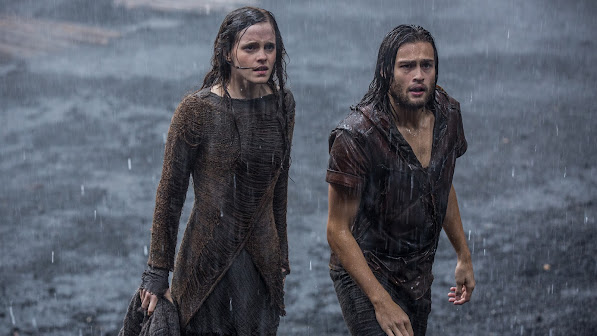 emma watson as ila and douglas booth as shem in noah movie