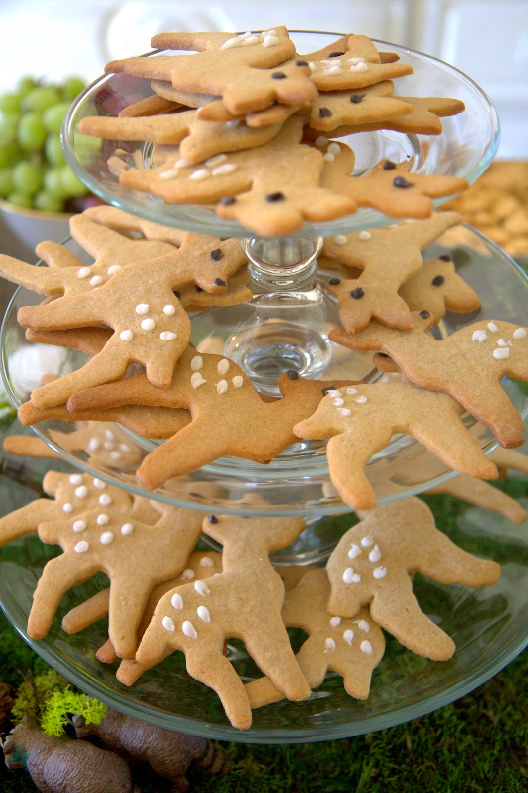 Woodland Party; Deer cookies; dessert, party food: Nora's Nest
