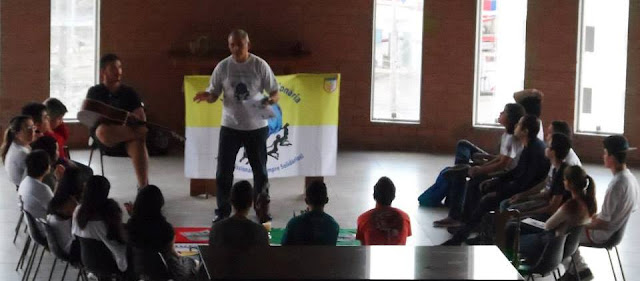 """Diocese de Guarulhos se prepara para missão """"Cola Aqui Juventude Missionária!"""""""
