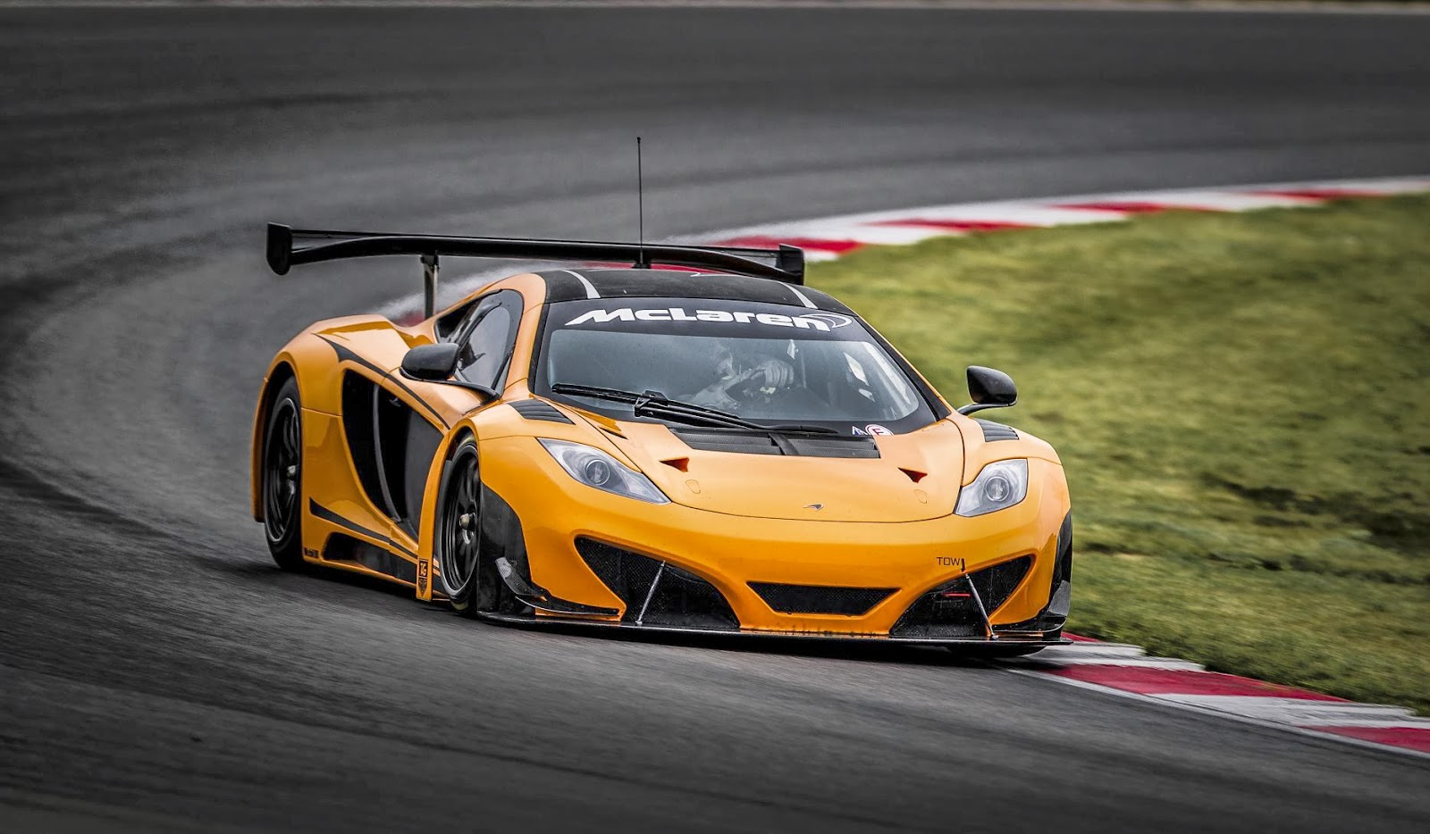 McLaren 12C GT3 will be go forward at Pirelli Word Challenge for 2014
