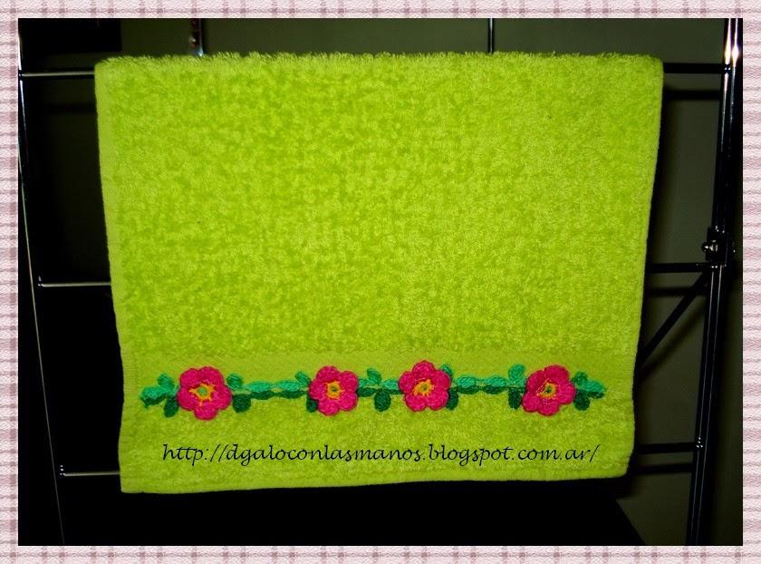 Dgaloconlasmanos toalla con apliques de flores y hojas for Apliques para toallas