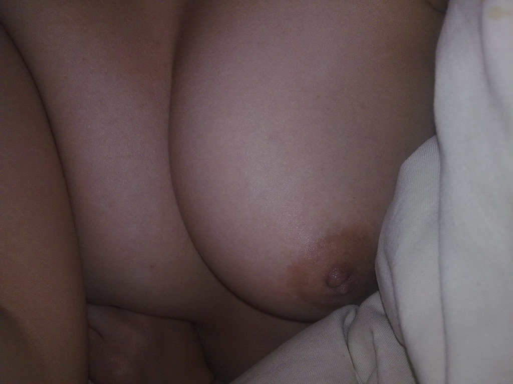nude picture on bed without showing face