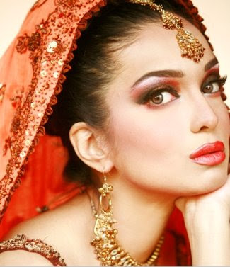 Pakistan actress Model Amna Haq Photo