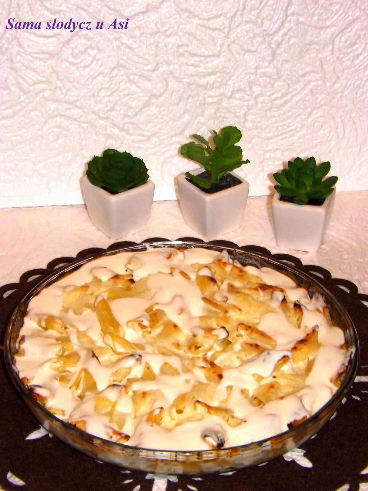 Zapiekanka makaronowa z twarożkiem i śmietanką waniliową