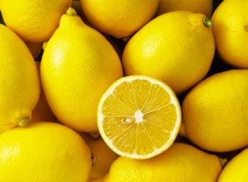Cara mencerahkan wajah dengan lemon