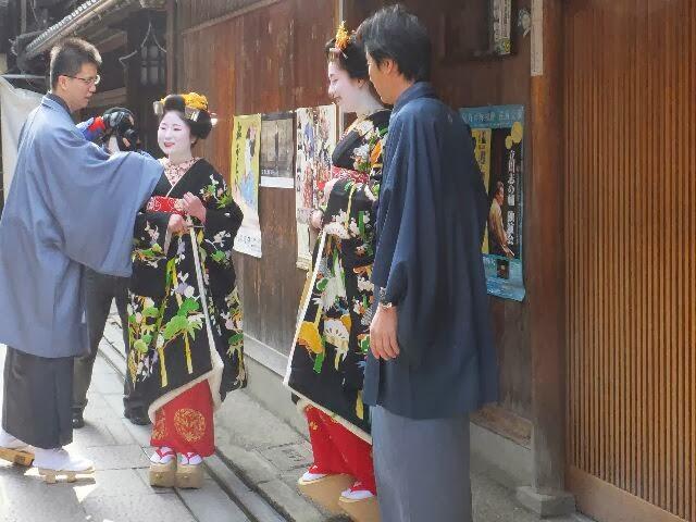 背の高い方が「豆たろうさん」で福嶋さんの「紫乃」さんはふっくらとした感じだった。