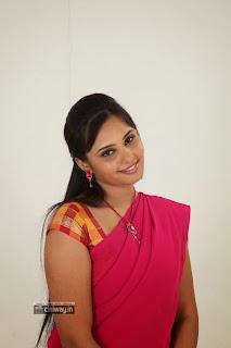 Premantene-Chitram-Heroine-Aarushi-Stills