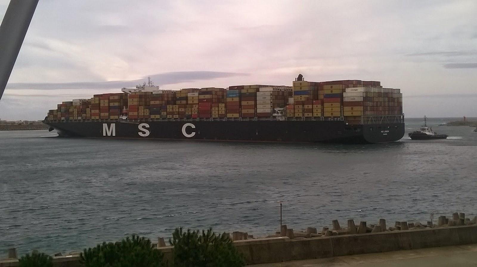 A Gioia Tauro la nave portacontainer più grande al mondo.