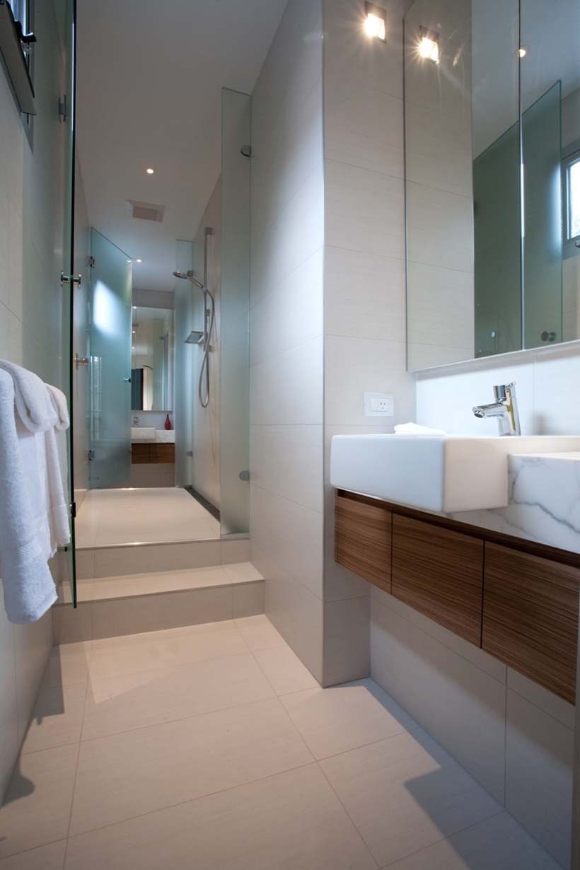 Bathroom in Kew House by Vibe Design Group