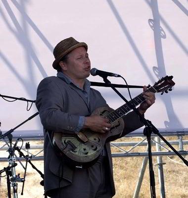 Фото Укринформ: джазовый гитарист