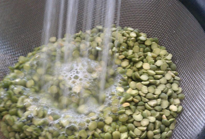 how to cook split peas in crock pot