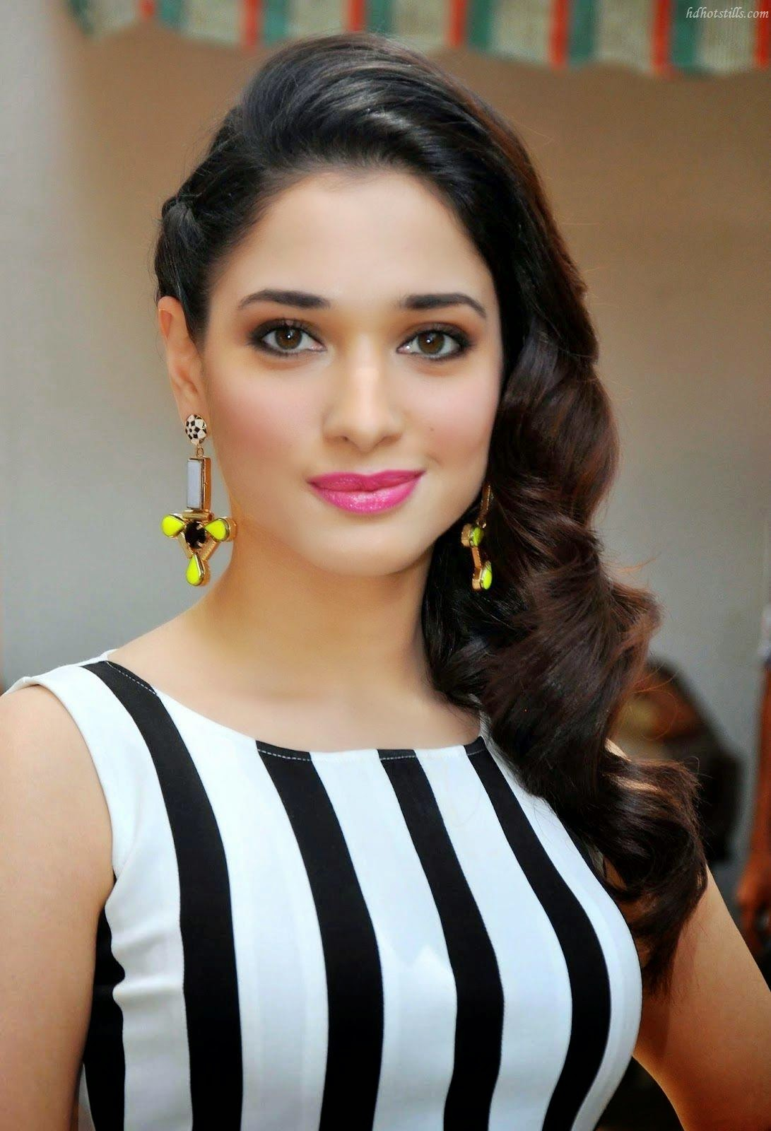 beautiful wallpaper: actress tamanna bhatia latest photos