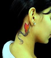 Modelo de desenhos para tatuagens no pescoço - Borboletas Coloridas