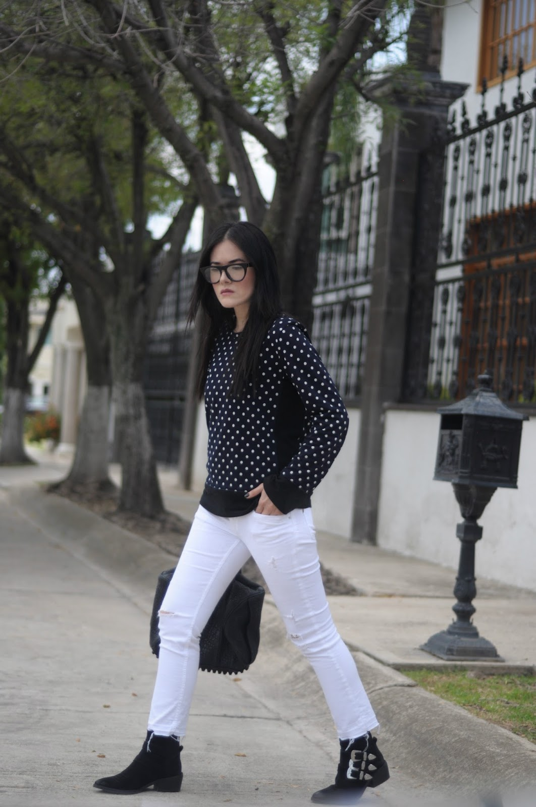 boots givenchy glasses dq21  [ Lizzie Lo ]: Tricky to Love
