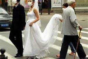 Contoh_Foto_Pernikahan_Unik_dan_Lucu_3