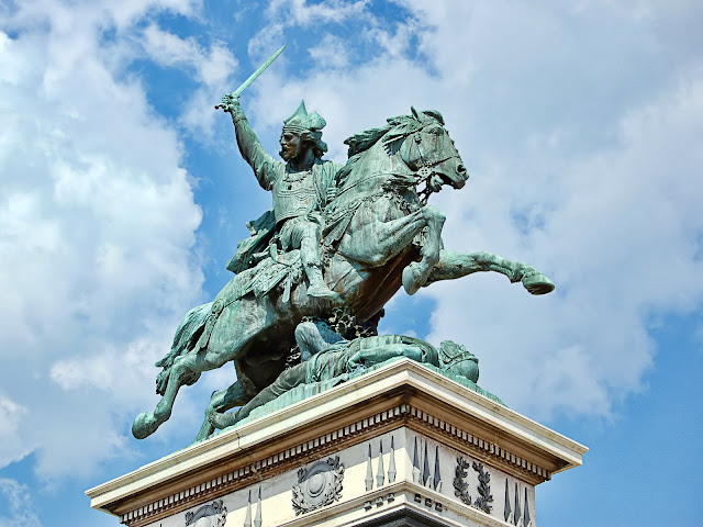 Vercingetorix statue