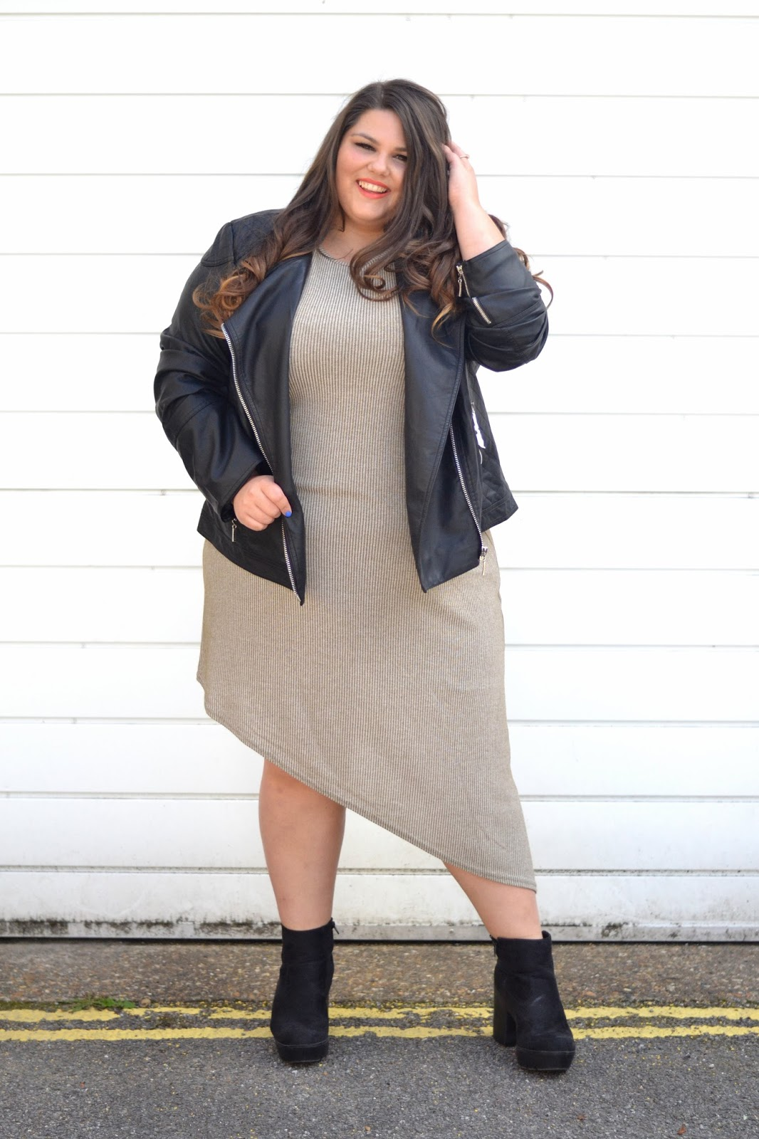 Leather jacket boohoo - The Outfit I Chose For Day Two Of Ukpsfw Was A Very Minimal Look With An Asymmetrical Dress Leather Jacket And Chunky Suedette Boots