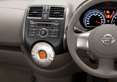 nissan-sunny-2013-interior