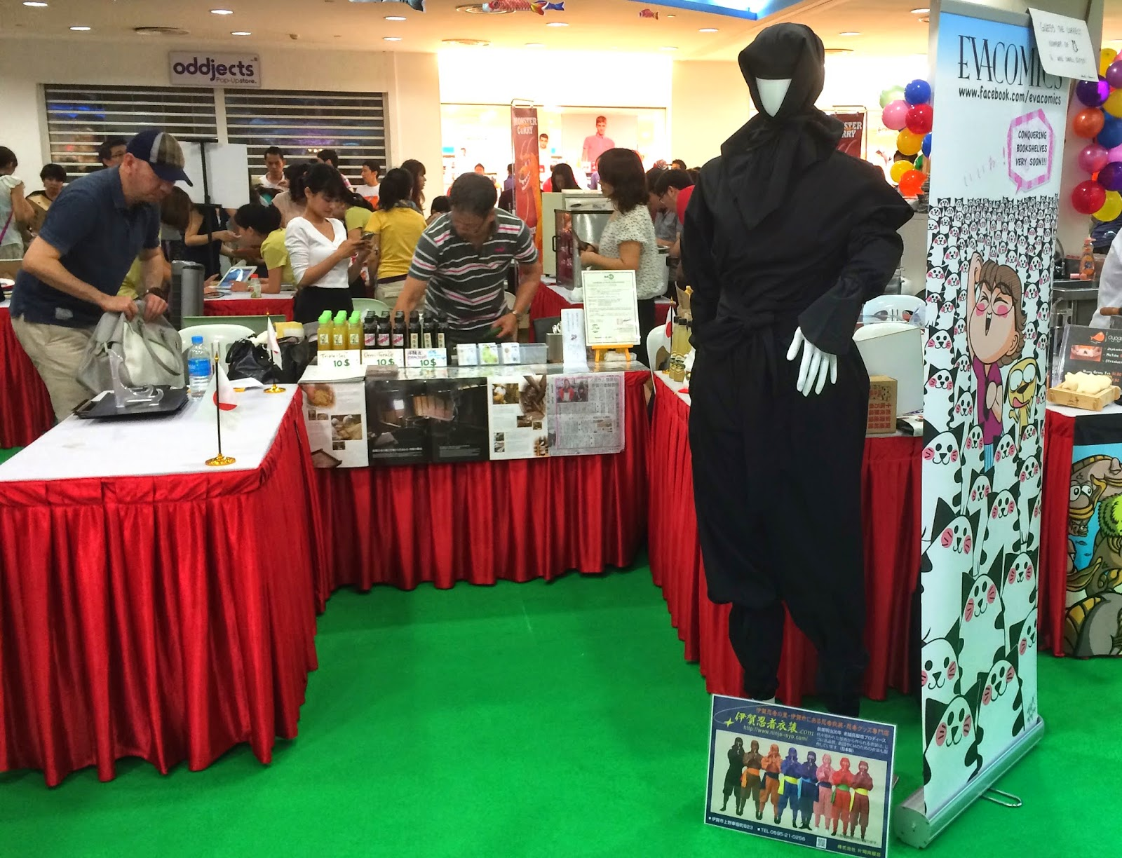 Hello Market 2014 at Liang Court