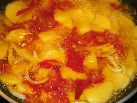 Pimientos rellenos de tortilla de patata.