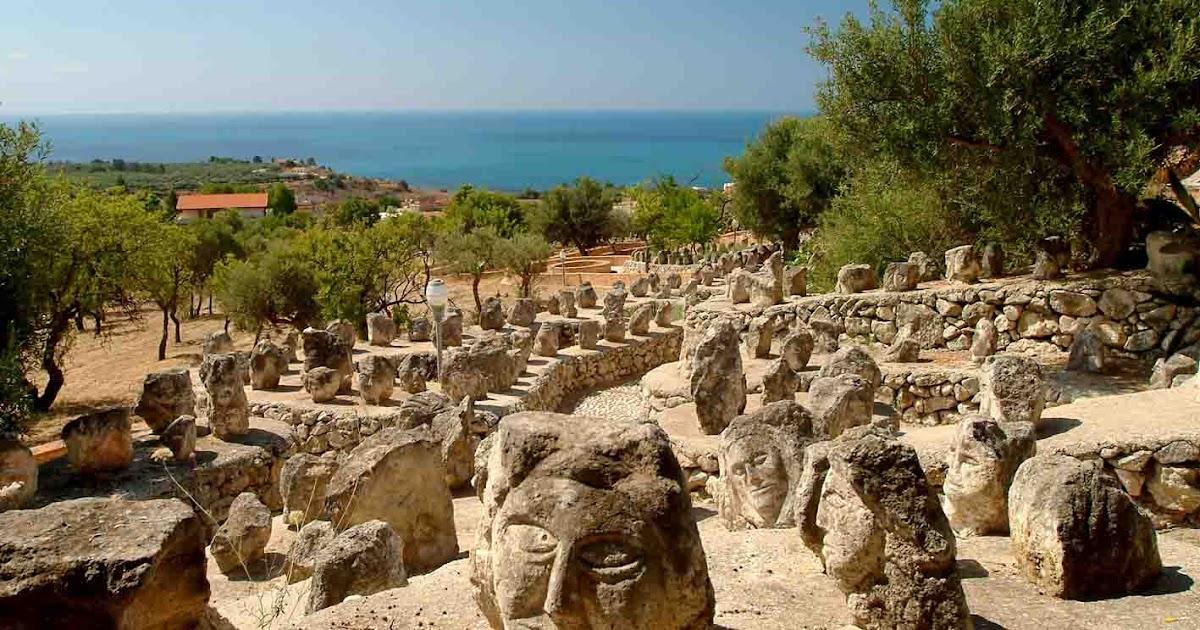 Sciacca immagini dalla sicilia nota per il suo storico for Arte arredi sciacca